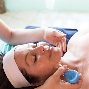 Facial cupping for firmer, younger looking skin exclusively at 7 Spa! P:Georgia Glennon