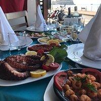 Her Yerde Balık Kule Seafooda Lezzetli Balık