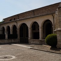 This is the entrance area off the street for the Convento de Samta Clara