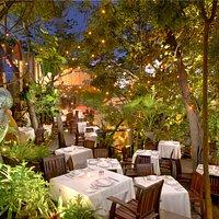 Exuberante jardín / Lush Garden seating
