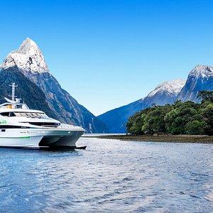 JUCY Cruise Premium Gem of the Sound
