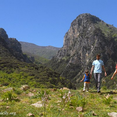 Hiking excursions in the Madonie Natural Park, Sicily