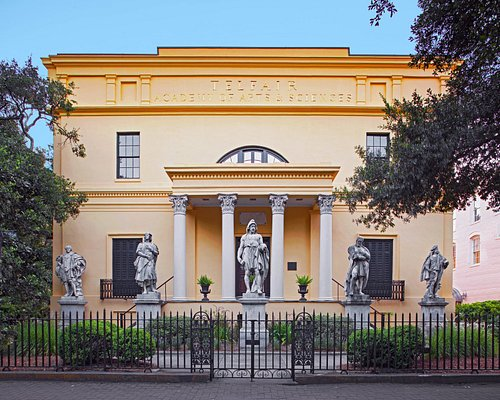 Front of Telfair Academy