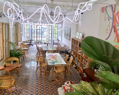 Coeverything Art Bar & Cafe
