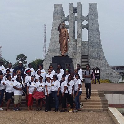 AAT group shot in front of Kwame Nkrumah Monument in Accra