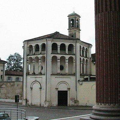 Casalmaggiore - Veduta di Santa Chiara dalla scalinata del Duomo di Santo Stefano Protomartire