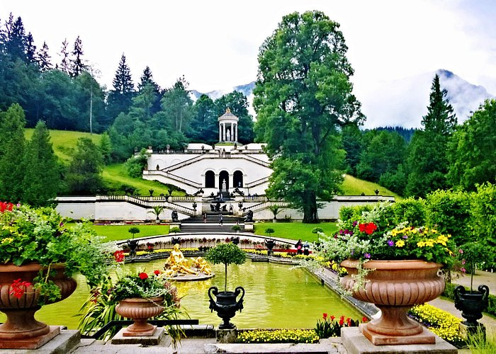 View on beautiful gardens from the main entrance of the palace...