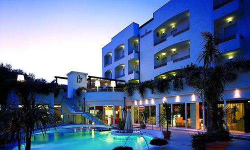 Belvedere Hotel, Your Private Island