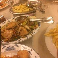 Chop Choi / Kippenbeignet / Frietjes / Kip in zoet-zuresaus