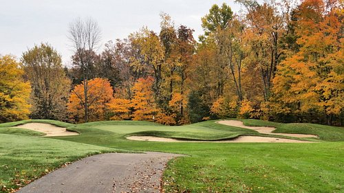 Hole #6, a Par 3 with bunkers on 3 sides. A short to middle iron shot to a large green