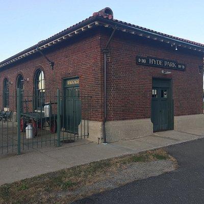 Hyde Park - train depot