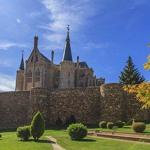 Palacio Arzobispal y murallas