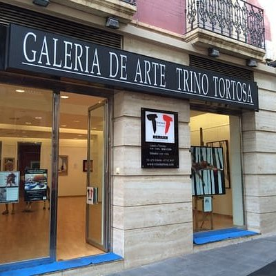 Fachada Galería de Arte Trino Tortosa