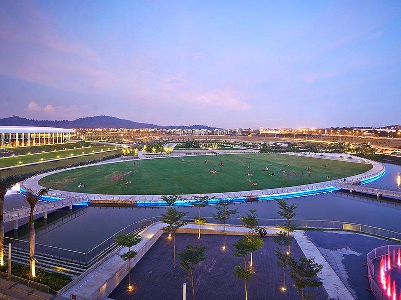 Setia City Convention Centre - Park