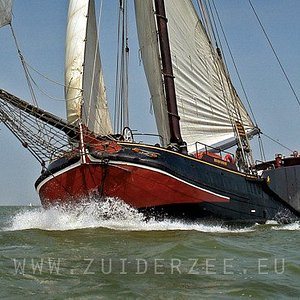 Sailingtrips in Holland on a traditional sailingvessel