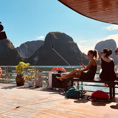 Relaxing moment on our Wego Cruises