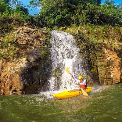 Passando pela cachoeira