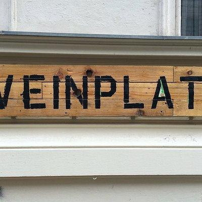 Weinplatz Sign