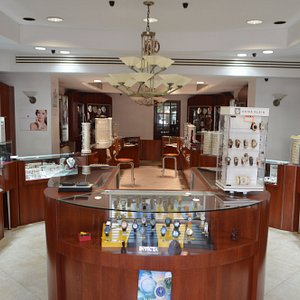 Interior Layout of Jewels by Rani Jewelry Store