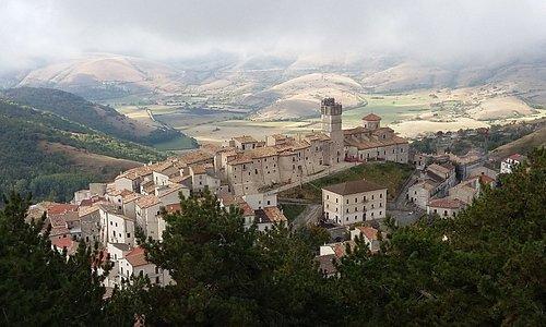 Vue de Castel del Monte, en route pour le Gran Sasso
