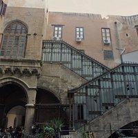 Scala di accesso al palazzo