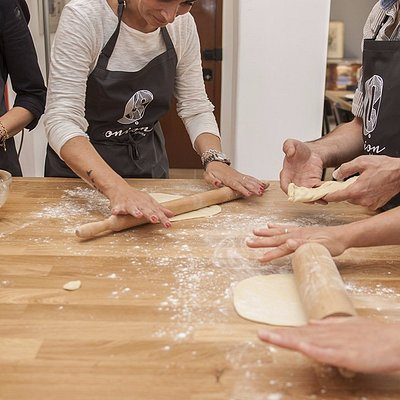 Open yourself the dough for greek pies