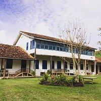 O Restaurante Casarão Fazenda do Centro está localizado no interior do Casarão da Fazenda do Cen