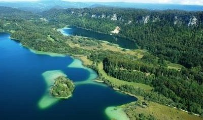 Les quatre lacs