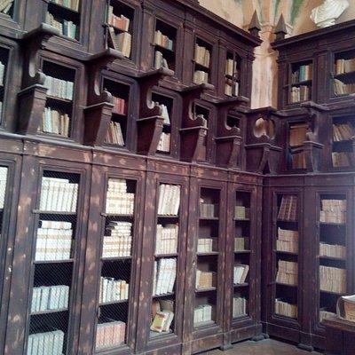 Scorcio della libreria