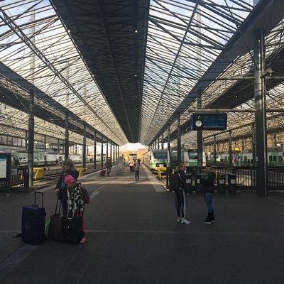 ヘルシンキ中央駅構内(この左手にあります)