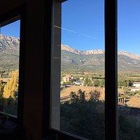 Vistas del comedor al Montsec