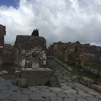 A pubblic fountain in Pompeii