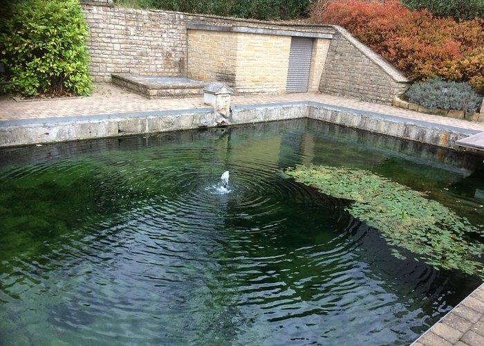 Le bassin de pierre