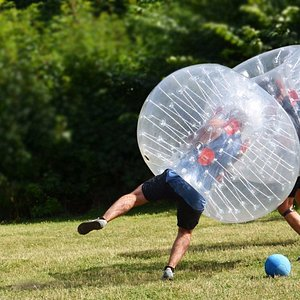 Bumperball, den perfekta aktiviteten för svensexan / möhippan!