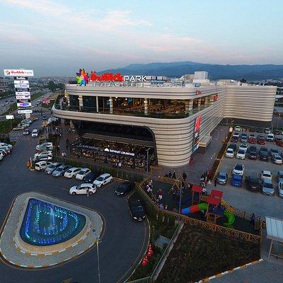 Özdilekpark Bursa Nilüfer bünyesinde bulunan ünlü markalar,restoran-kafe ve sinema ile hizmetini