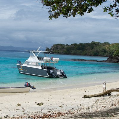 The anchored boat on Yanuca Island