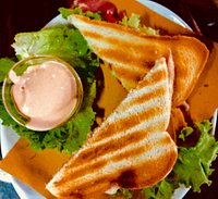 Ottimo Toast Speciale, crudo pomodoro insalata