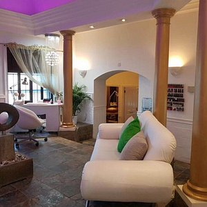 Amazing experience enjoying treatments and spa facilities with a group of 12 ladies. Back, neck