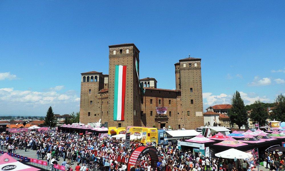 Partenza della tappa del Giro d'Italia 2014.