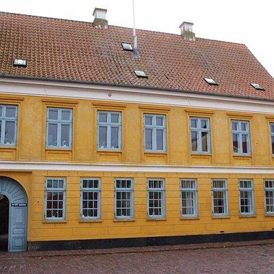 Et af de flotte huse på torvet