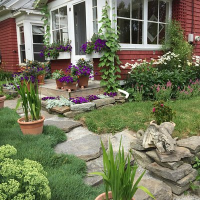 A variety of gardens are generally on the schedule. Formal, informal, farms and pocket gardens.