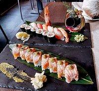 Sushi misto 12pz e Uramaki Salmon Fumè