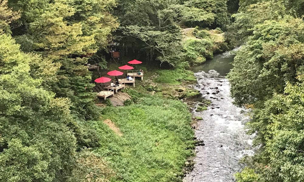 Riverside cafe in Kakusenkei Gorge