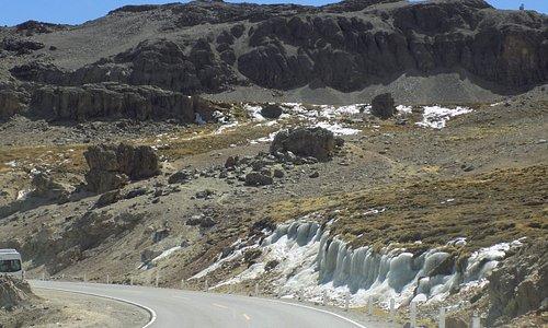 """Neve superstite nella valle """"Quebrada Chucura"""""""