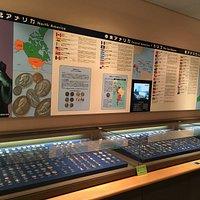 世界170ヵ国の貨幣が展示