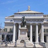 ジュゼッペ・ガリバルディの騎馬像