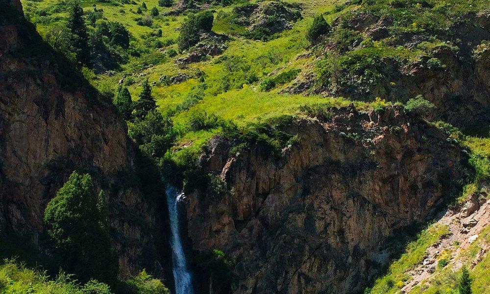 The waterfall at Kegety gorge