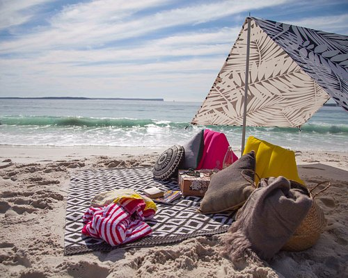 Hyams Beach Hut - We do all the work so you can just sit back, relax, and soak up the atmosphere