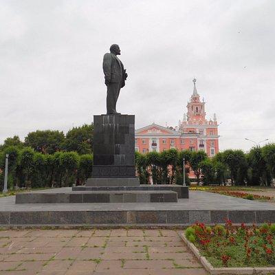 lenin statue 2