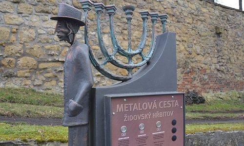 The Mlada Boleslav Metail trail at the Jewish cemetry